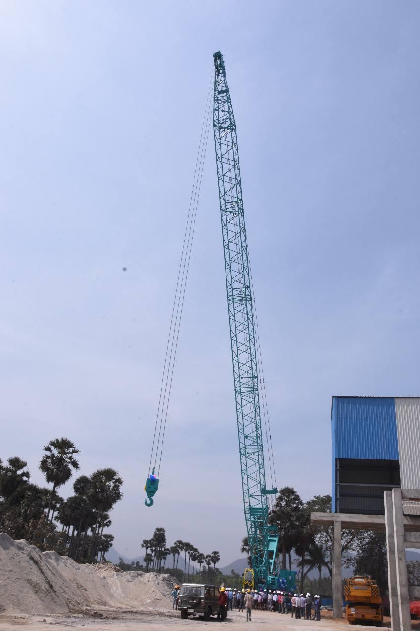 Kobelco 250T Crane